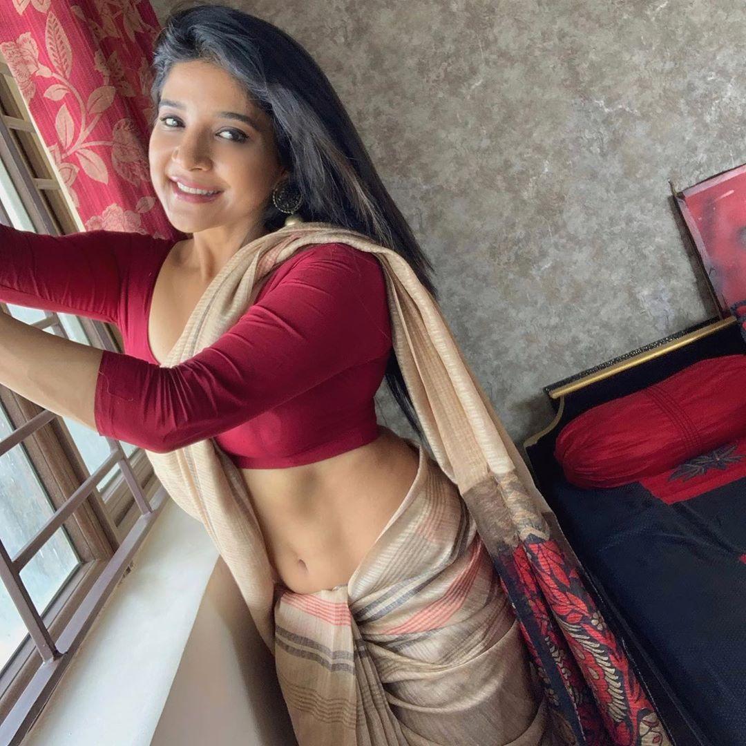 Sakshi Agarwal Photos in Saree1